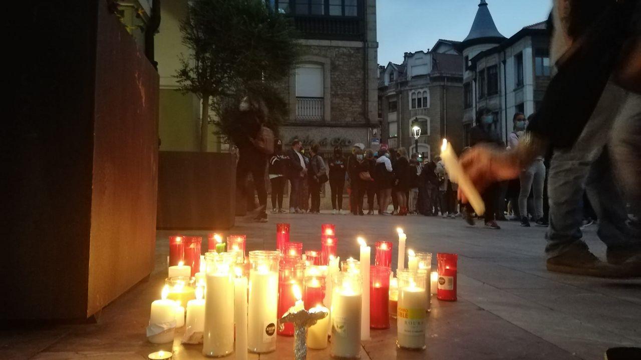 Concentraciones contra la vilencia machista en Asturias.Adrián Barbón en Cabo Noval