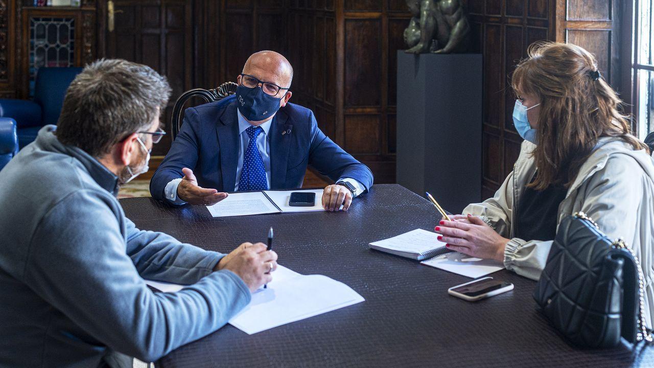 Bernardo Varela, José Manuel Baltar y Montse Lama, en la reunión celebrada este jueves