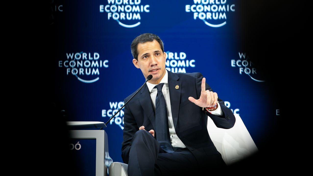 Guaidó se encontró con Mekerl en Davos, y hoy tienen previsto volver a reunirse