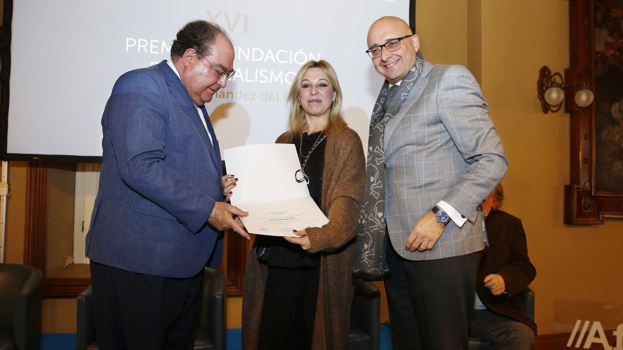 Inma López Silva, recogiendo este martes el premio Fernández del Riego
