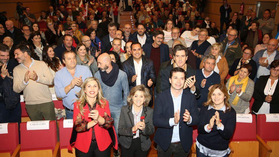 El PSOE cierra campaña en Vimianzo.Manifestación contra  la islamofobia celebrada a finales de octubre en Paris