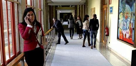 La diputada Paula Prado, en una imagen tomada en los pasillos del Parlamento gallego.