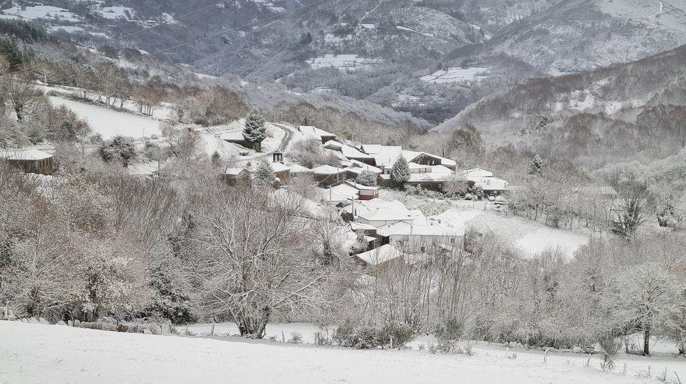 Paisaje nevado cerca de Vilarxoán, en O Incio