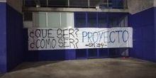 Pancarta colocada por Symmachiarii en el Carlos Tartiere