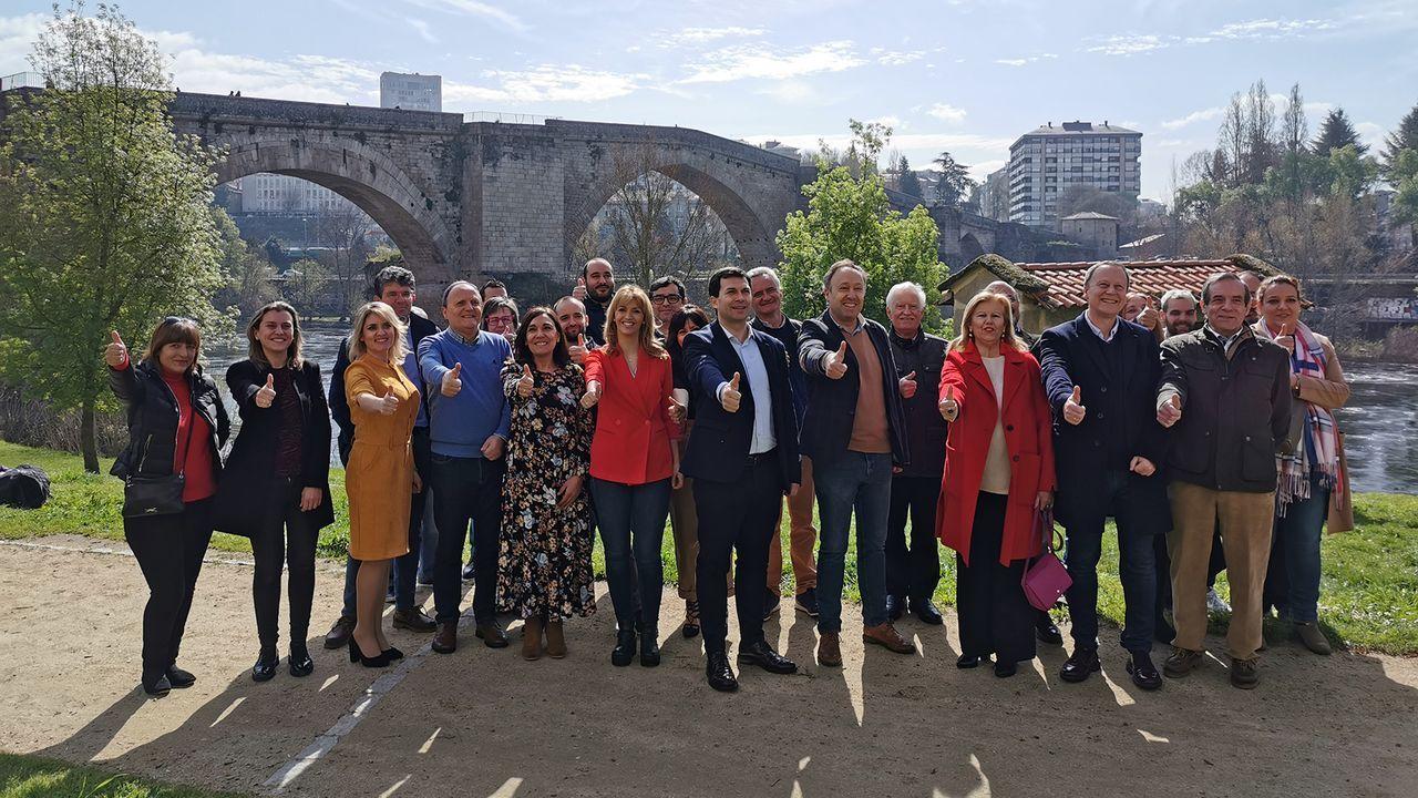 El PSOE presentó su candidatura a los pies del puente romano