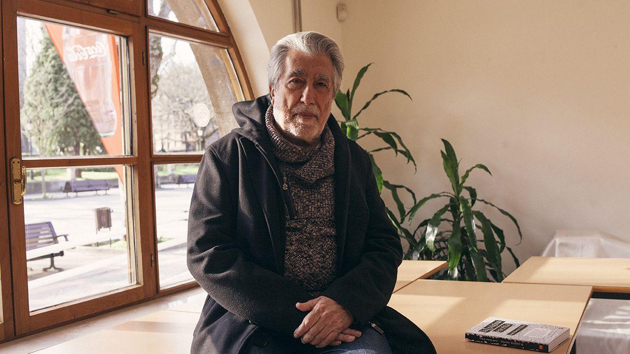 Freddie Mercury se convierte en el protagonista del confinamiento gijonés.Jordi Serra i Fabra en la Biblioteca La granja de Oviedo