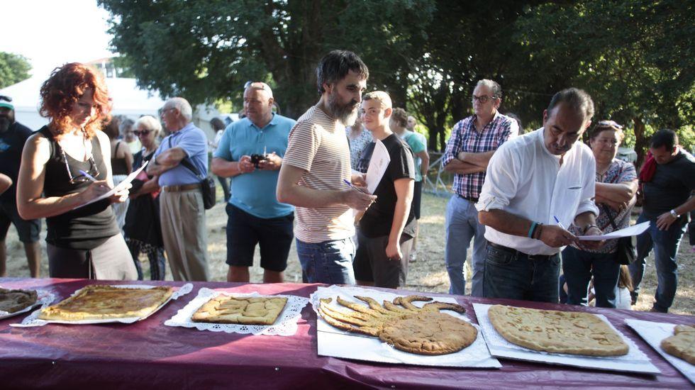 Celebración do Entroido Ribeirao na parroquia de Santiago de Arriba, nunha foto de arquivo