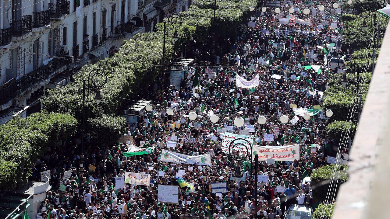Protestas Argelia.Los manifestantes se llevan contando en decenas de miles desde que se iniciaron
