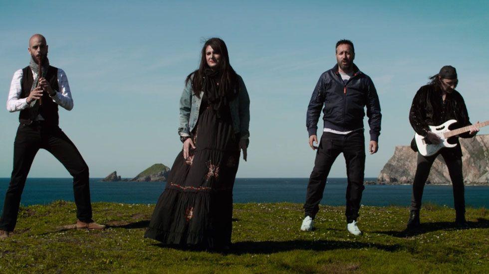 D Asturias. El éxito de folk-rock homenaje a los jóvenes emigrantes