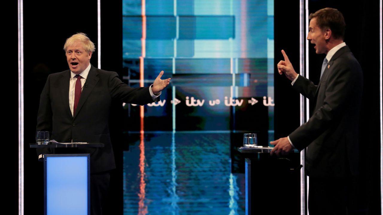 Johnson y Hunt, durante el debate televisivo en ITV