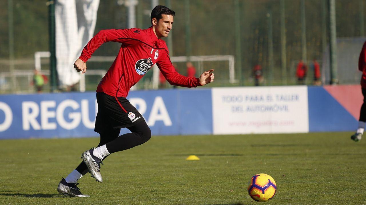 Joselu Folch Mossa Champagne Christian Fernandez Zaragoza Real Oviedo La Romareda.Barreiro entrenando con el Nàstic