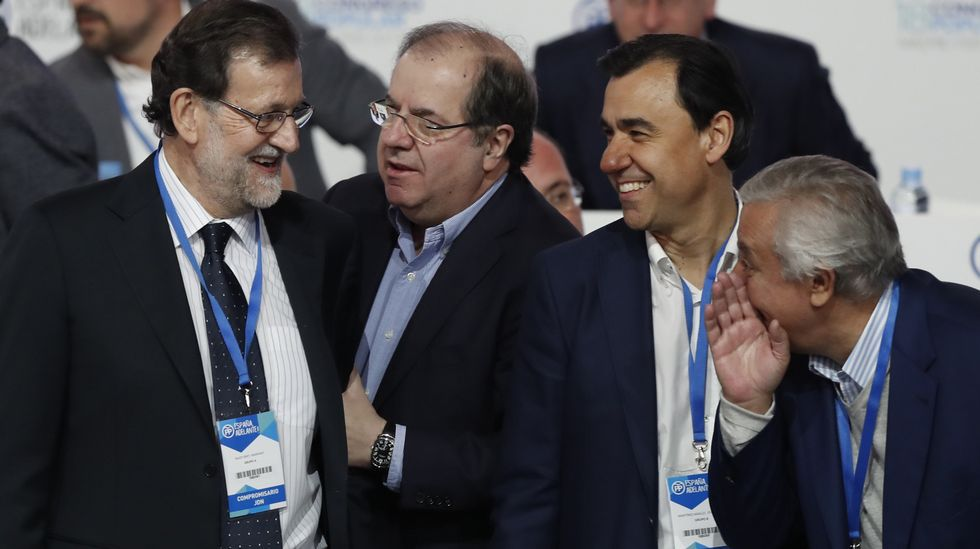Herrera saludando a Rajoy.
