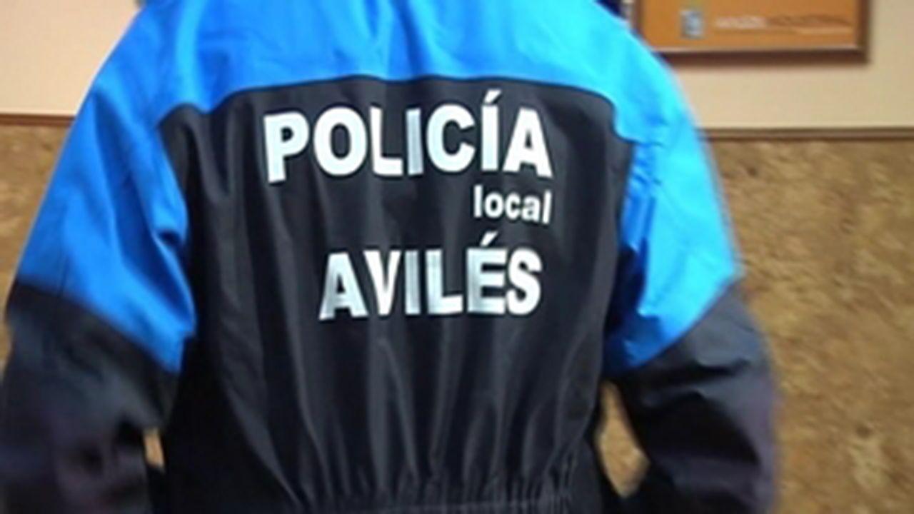 Accidente de tráfico en Santa Comba.Policía Local de Avilés