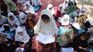 Alumnas de una escuela en el distrito de Surhood recuerdan a sus compañeras muertas en atentado