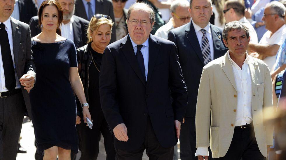 El presidente de Castilla y León, Juan Vicente Herrera , la presidenta de las Cortes, Silvia Clemente, y la vicepresidenta del Ejecutivo castellanoleonés, Rosa Valdeón.