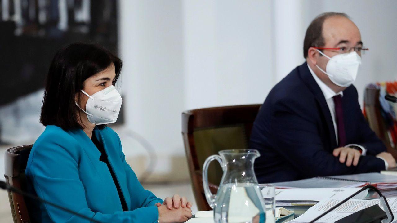 EN DIRECTO:La ministra de Sanidad informa de las últimas decisiones relativas al plan de vacunación.La ministra de Sanidad, Carolina Darias