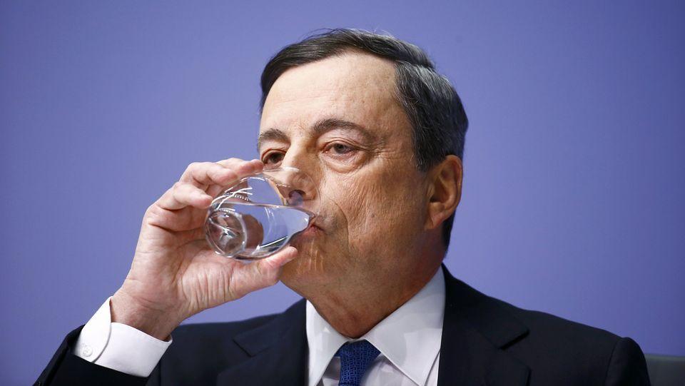 El mundo, entre la desinfección yla nueva cotidianidad.El ministro griego de Finanzas fue desmentido ayer por su colega italiano.