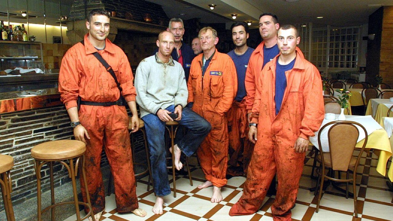 Parte del equipo de Smit que participó en el frustrado rescate del Prestige