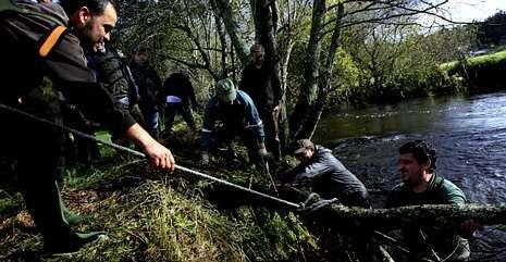 Colectivos como Río Mar limpiaron en las últimas semanas tramos del río Grande.