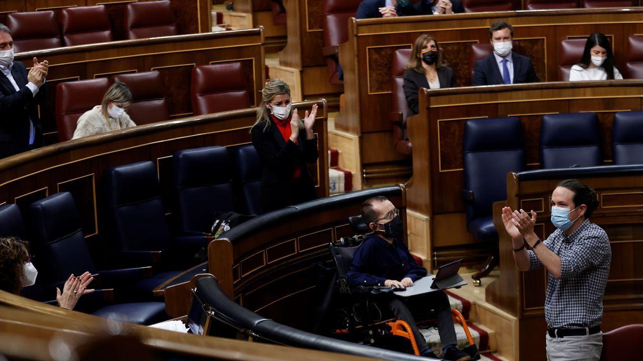 El vicepresidente segundo del Gobierno, Pablo Iglesias, se despidió del Congreso entre los aplausos de sus compañeros y las lágrimas de su sustituta en el Ejecutivo, Yolanda Díaz