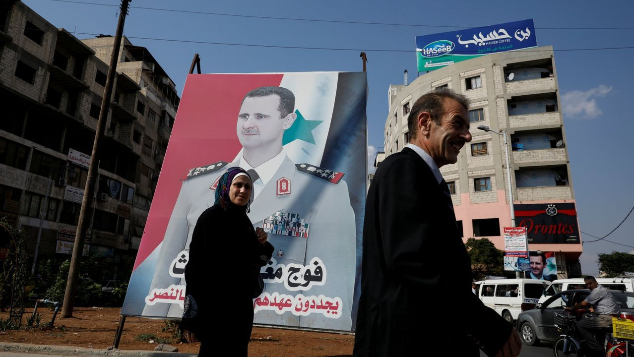 Un mural de Al Asad, en la ciudad siria de Homs