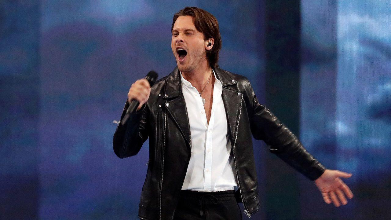 Victor Crone canta «Storm» en la primera semifinal de Eurovisión