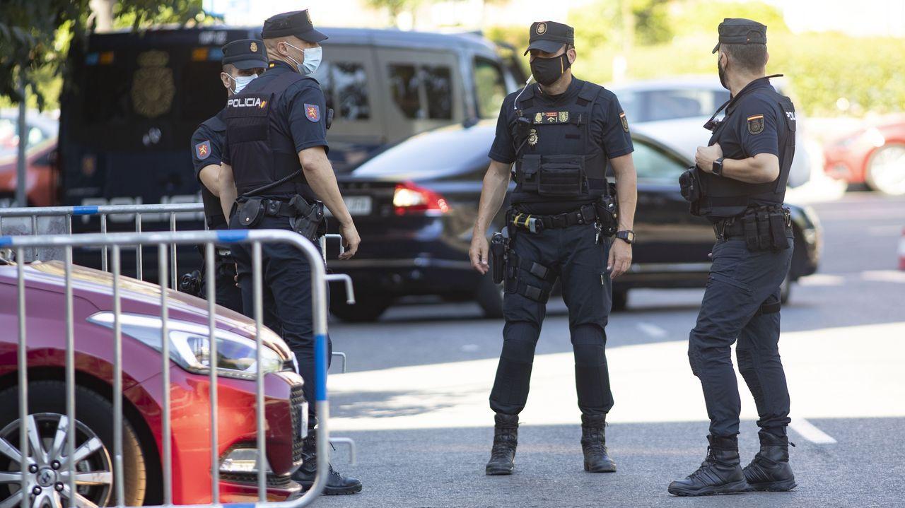 Agentes de la Policía Nacional de servicio en Madrid