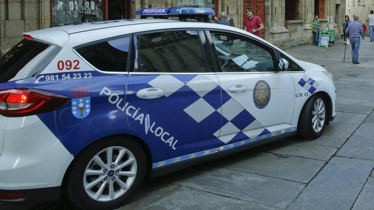 Un coche de la Policía Local de Santiago en una imagen de archivo