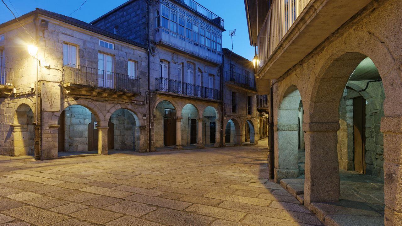 VOX pone la derogación de las ayudas contra la violencia de género como condición al pacto en Andalucía.Vista de Llanes
