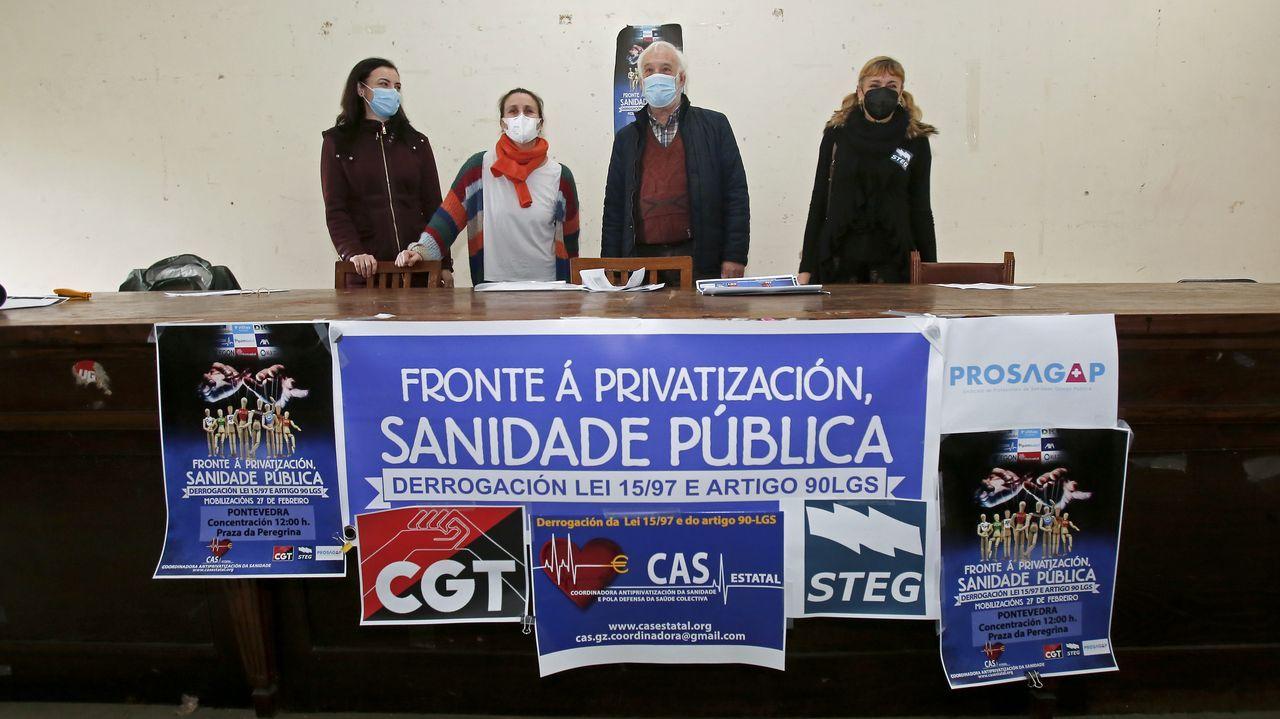 María Ferrero y María Torre, de Prosagap; Miguel Ángel Cuña, de CGT, y Belén Asensi, de STEG, este jueves, en el local de sindicatos de Pasantería