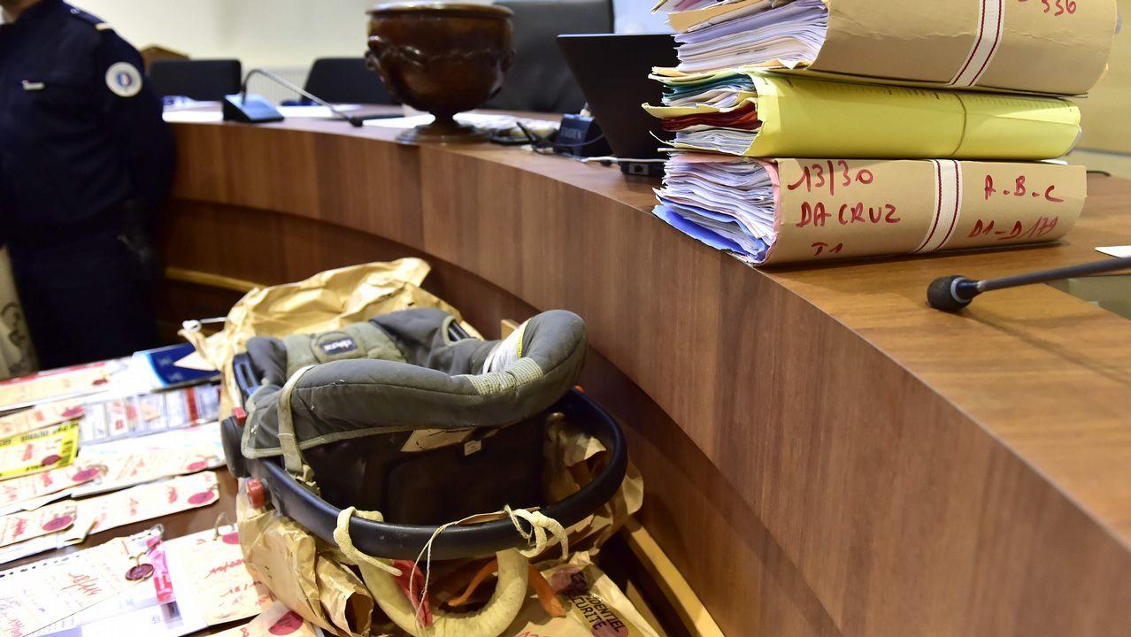 Sillita de bebé hallada en el maletero de un coche en Francia donde vivió un bebé dos años