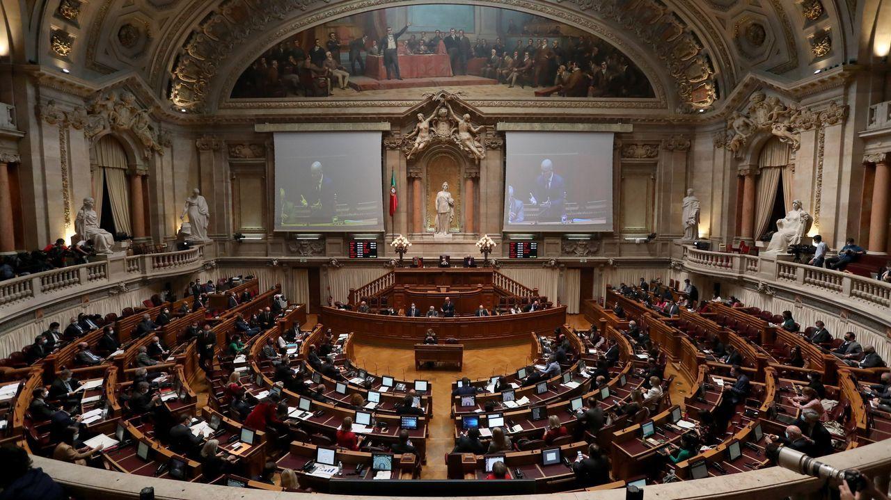 Algunas propiedades de la iglesia en Galicia.Protesta contra la Lomloe en Madrid