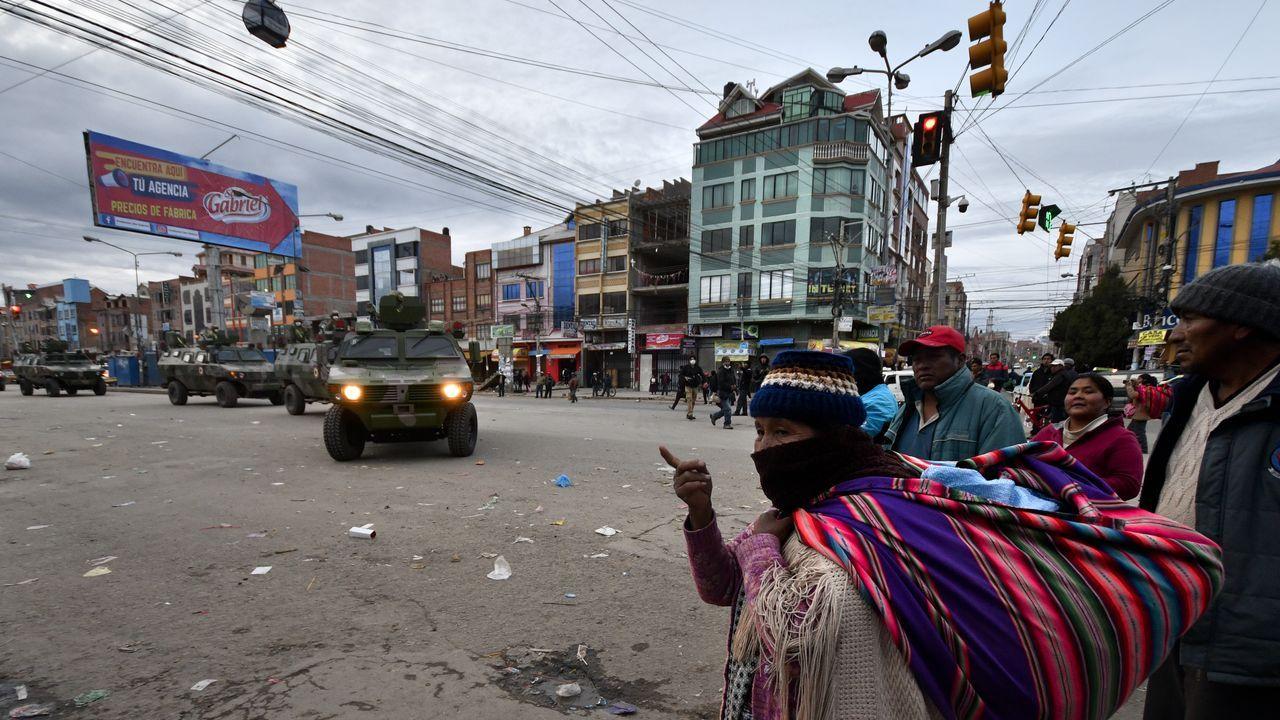 Los militares patrrullan las calles para hacer cumplir la cuarentena