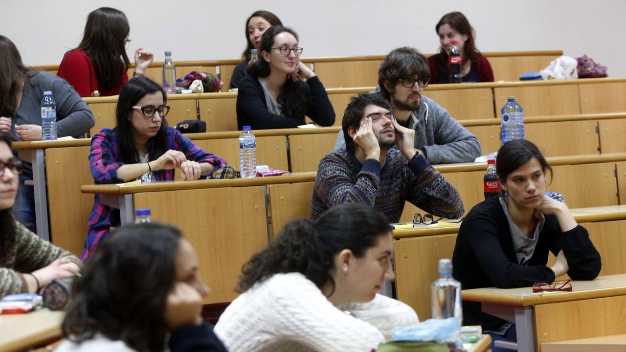 Examen del MIR en la facultad de Derecho de la USC