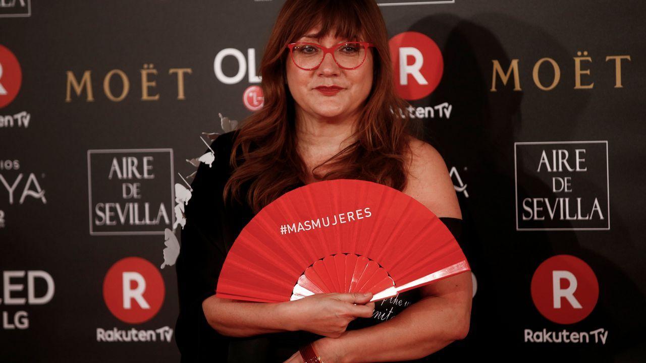 Maria Botto.Isabel Coixet con el reivindicatico abanico rojo