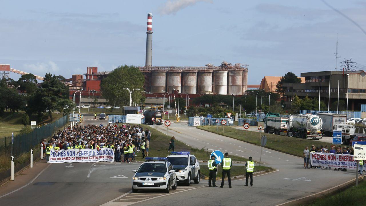 Tercera concentración en defensa de Alcoa, en Burela