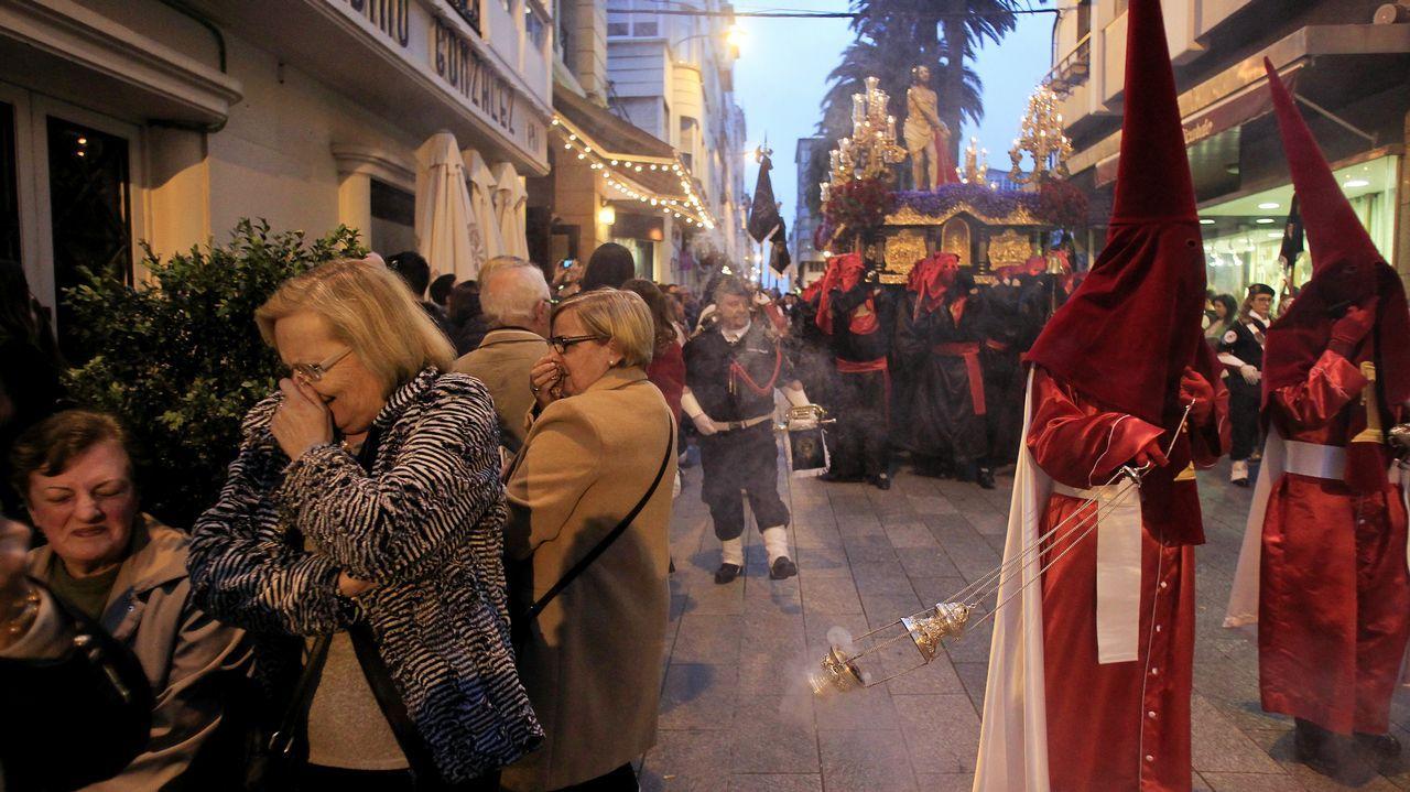 Martes Santo   Procesión de Jesús atado a la Columna y la Santísima Virgen de la Esperanza. Cofradía de Dolores