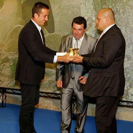 Entrega del Dolmen de Ouro del 2011 a la empresa Naturmaz.