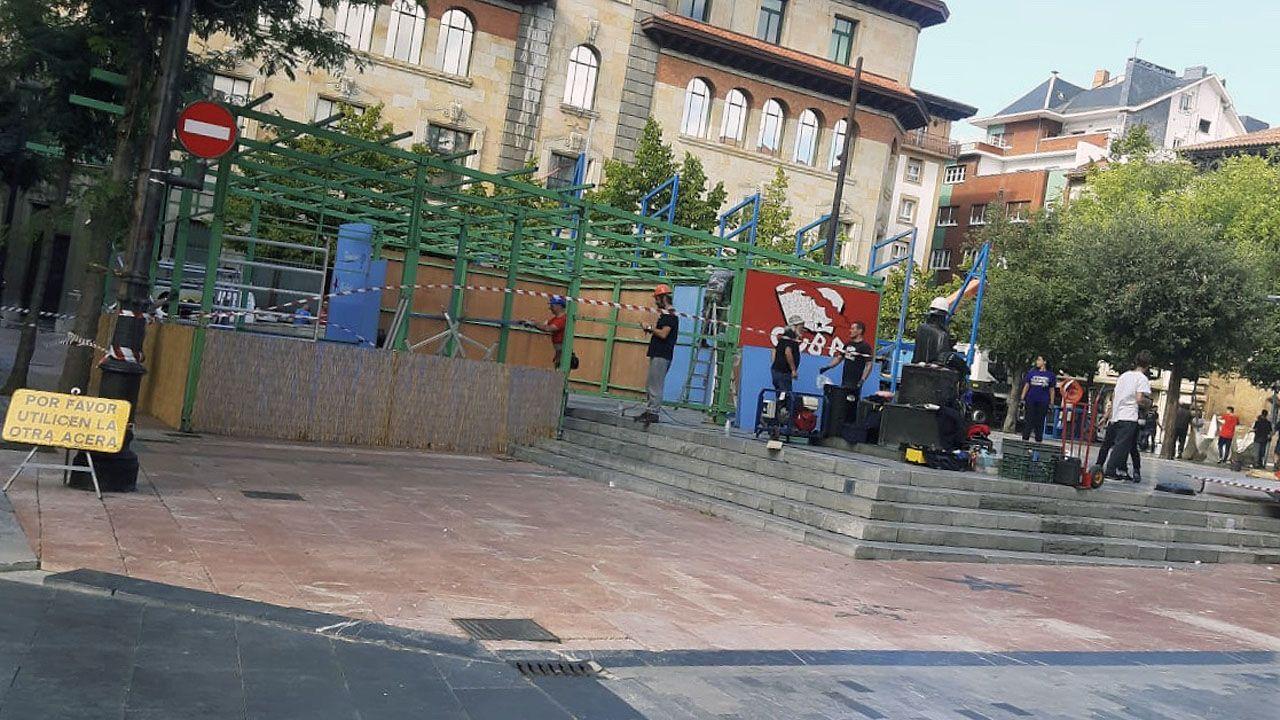 Comienza el montaje de los chiringuitos de San Mateo, en la plaza Porlier