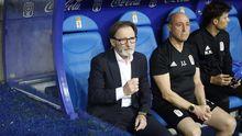 Anquela derbi Real Oviedo Sporting Carlos Tartiere.Anquela, instantes antes de iniciarse el derbi ante el Sporting