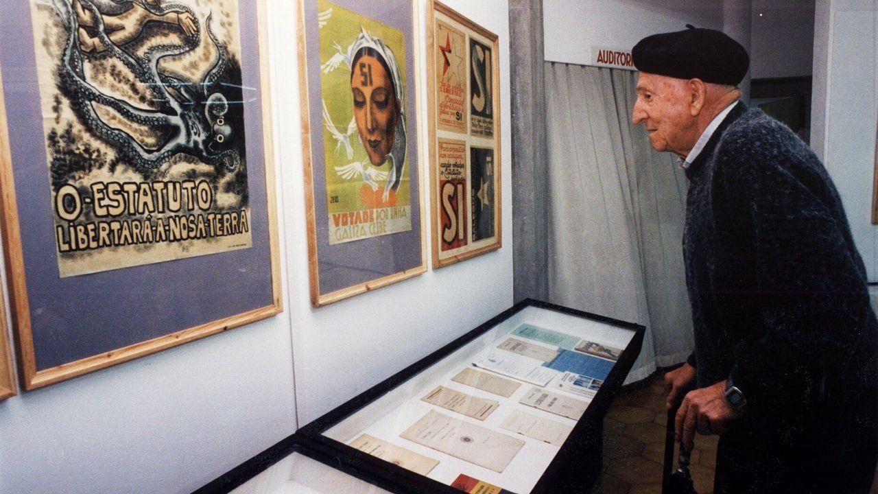 Unha exposición no Castro, Sada, dos carteis da campaña do Estatuto de 1936