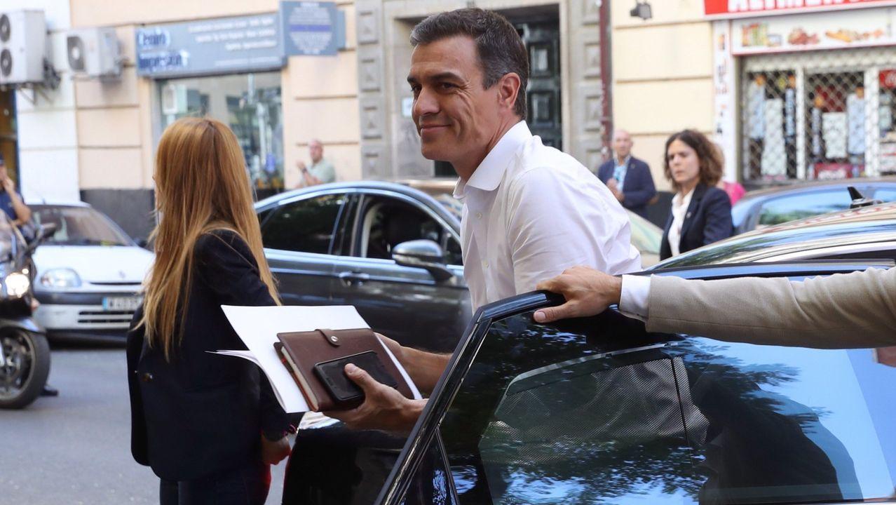 El presidente del Gobierno en funciones, Pedro Sánchez, el jueves, antes de un reunión con representantes de asociaciones a favor de la igualdad de género