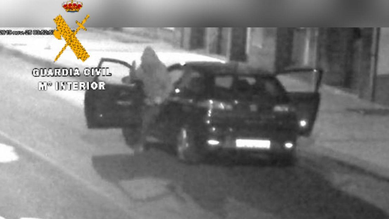 Asturias, atracos, banda, grupo criminal, Guardia Civil, coches.Imagen de uno de los golpes cometidos por la banda que asaltaba locales y gasolineras
