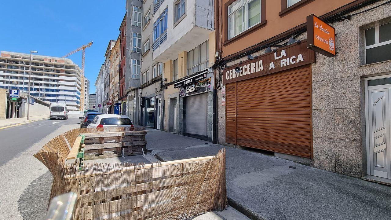 Concentraciones contra la Ronda Norte.La Barrica. Situada en la Rúa Salvador de Madariaga, fue escenario del apuñalamiento de un joven el pasado mes de enero, además de decenas de fiestas.