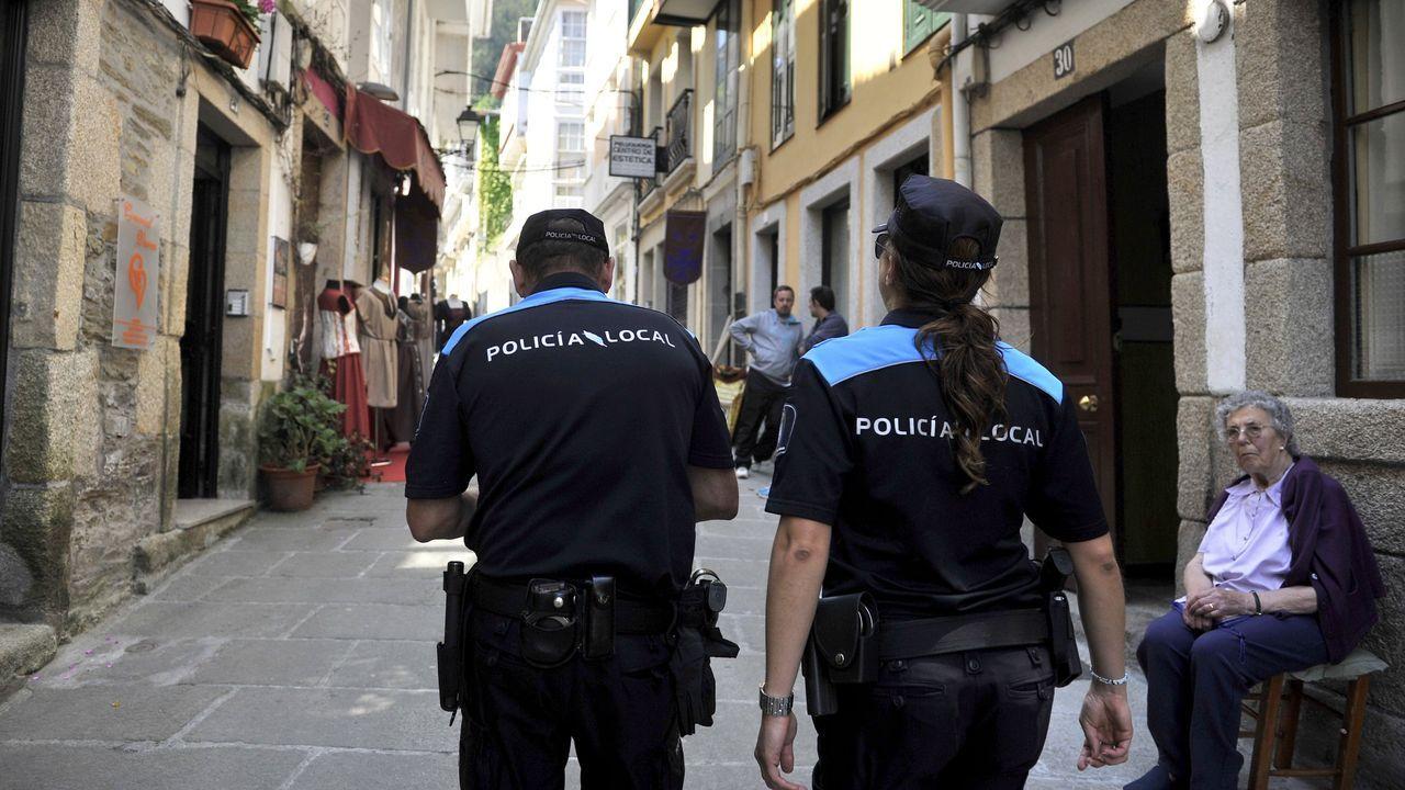 Una patrulla de la Policía Local de Pontedeume, en una imagen de archivo