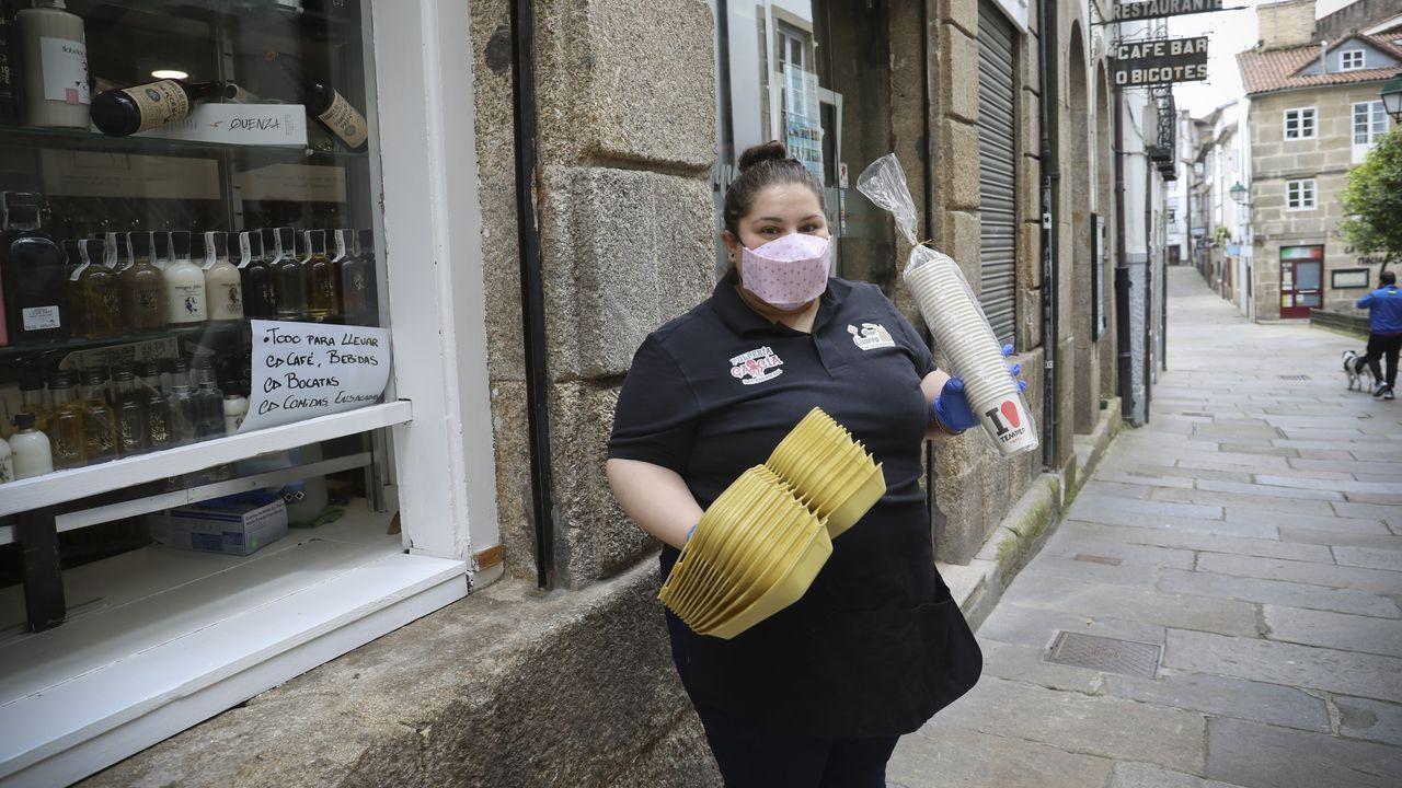María García, del bar Charra, de A Raíña, servirá desde este lunes comida para llevar