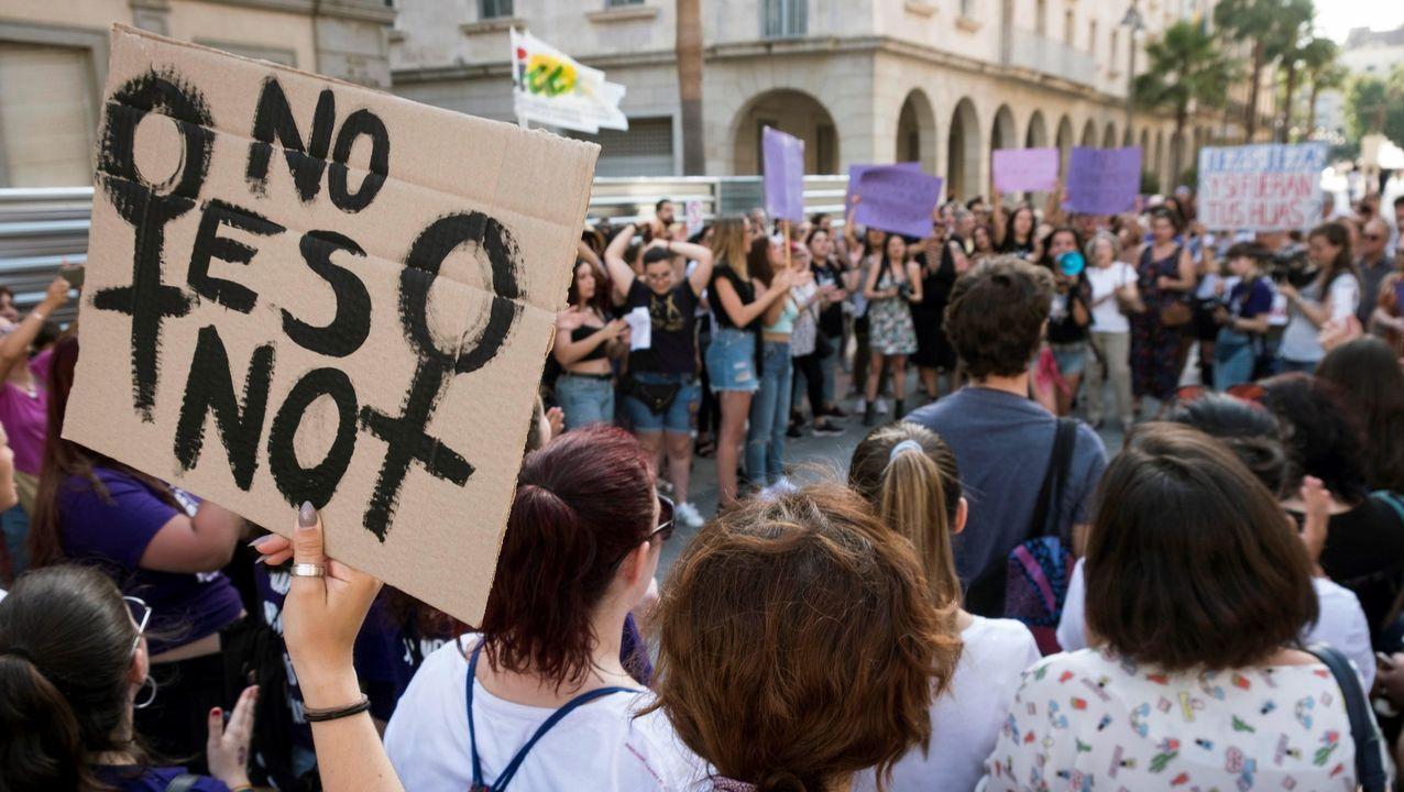 Manifestación feminista como respuesta a un delito de abuso sexual en el 2018