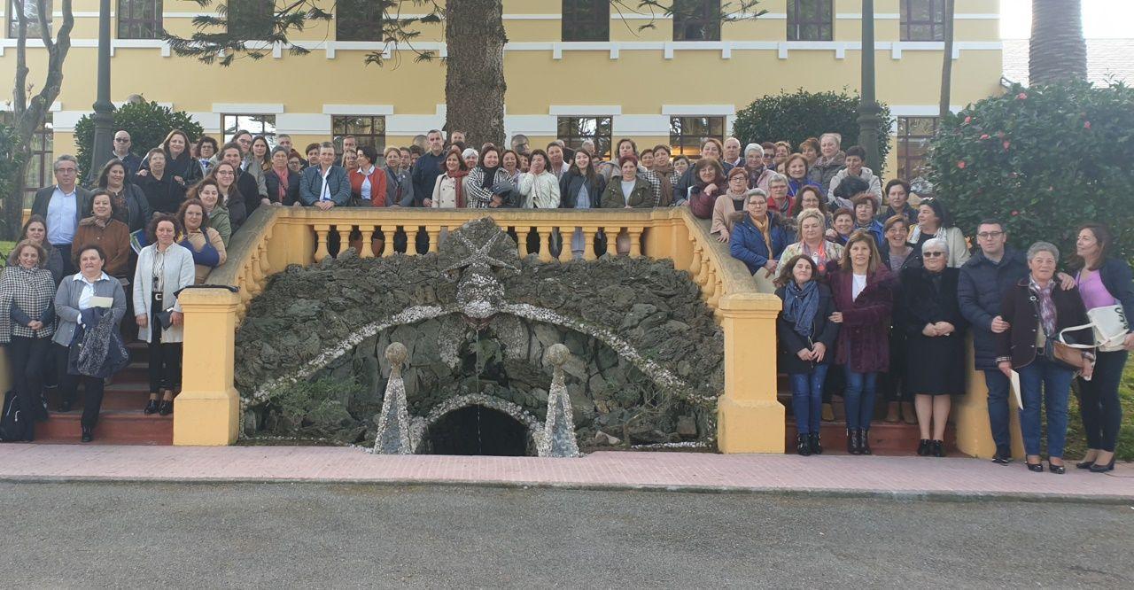 La Plataforma Galicia Baleira en el edificio de la Xunta en Lugo