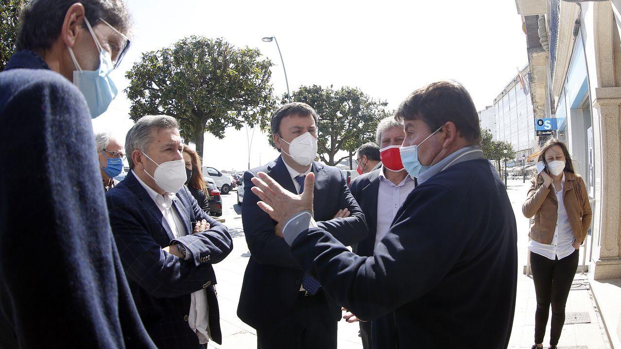 Ruiz Rivas y González Formoso mantuvieron un encuentro con el patrón mayor de la cofradía de Ribeira, José Antonio Pérez Sieira