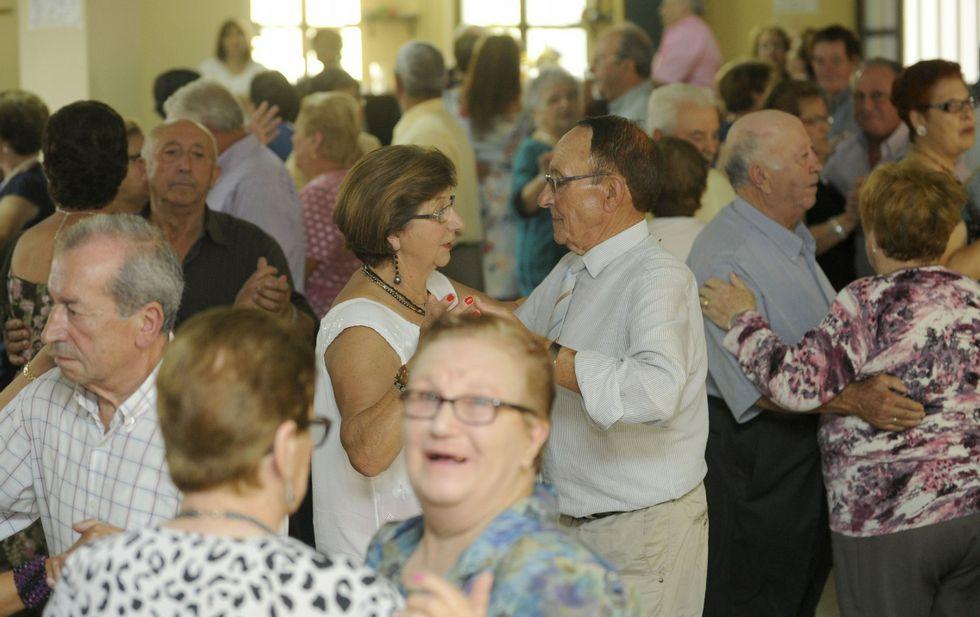 imagen de archivo de un baile de mayores organizado por el Centro Social de Silleda.